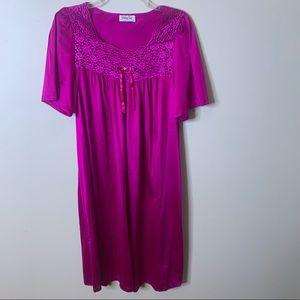 VANITY FAIR Floral Ribbon Detail Nightgown